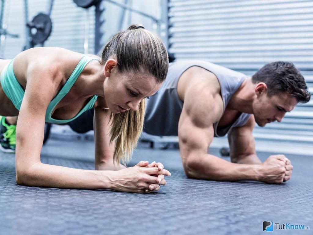 Ідеальна планка: 4 способи отримати користь від вправи
