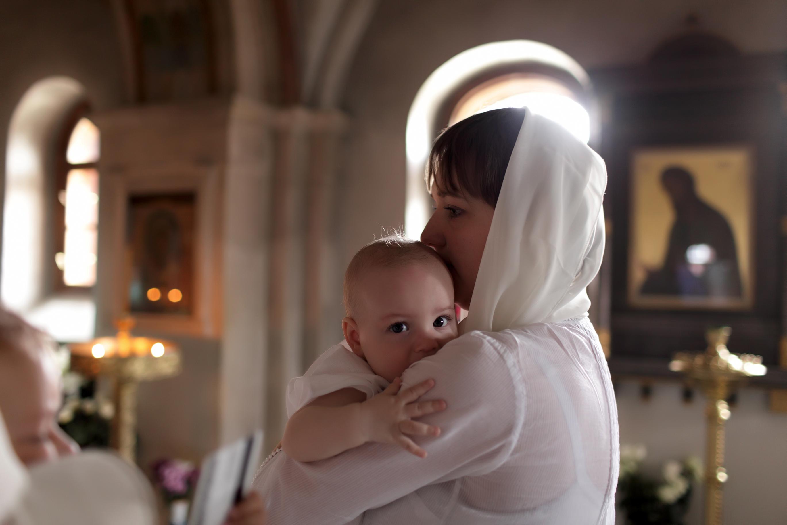 Що подарувати на хрестини: традиції і канони