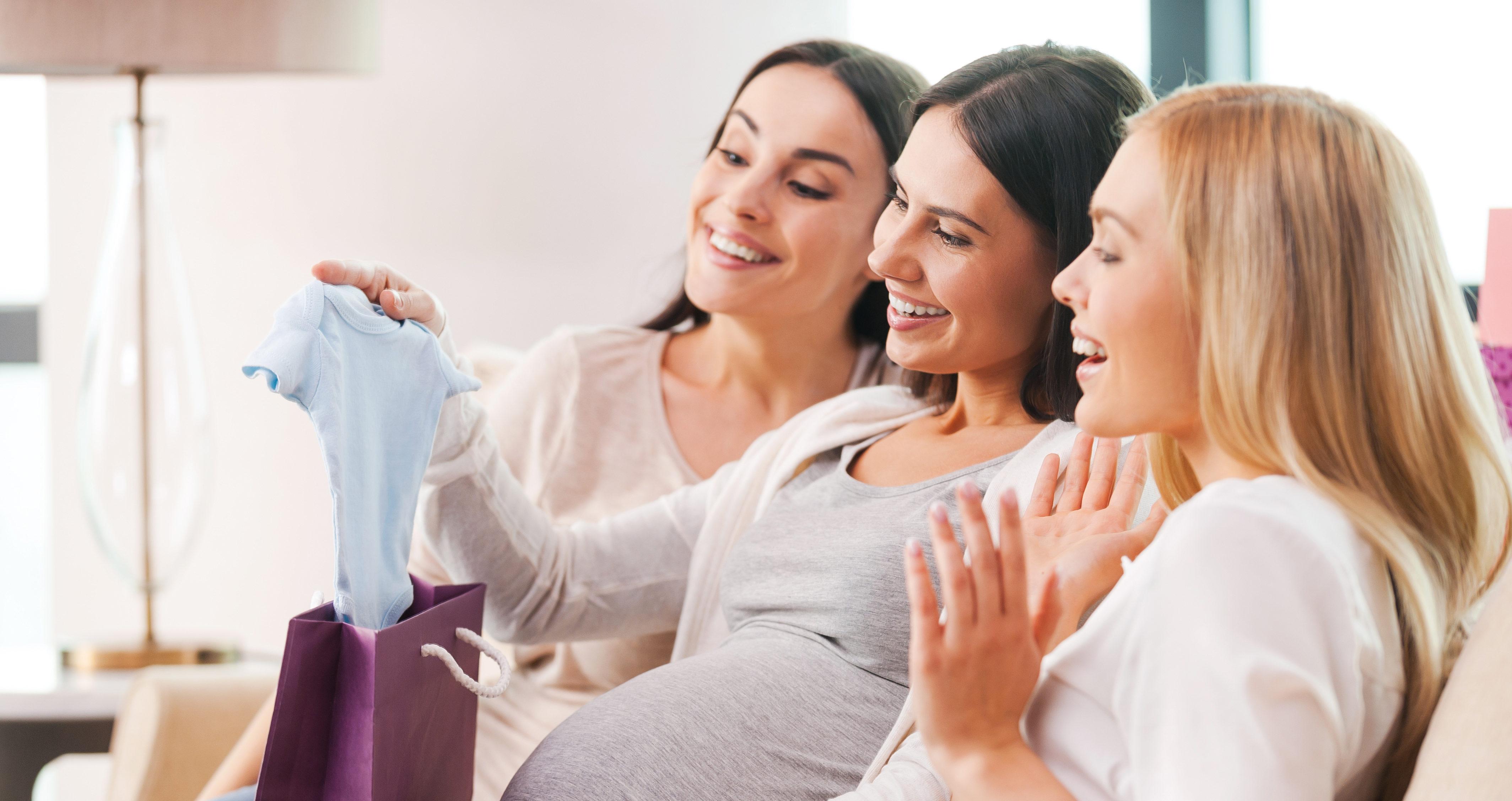 Що подарувати новонародженому: ідеї подарунків