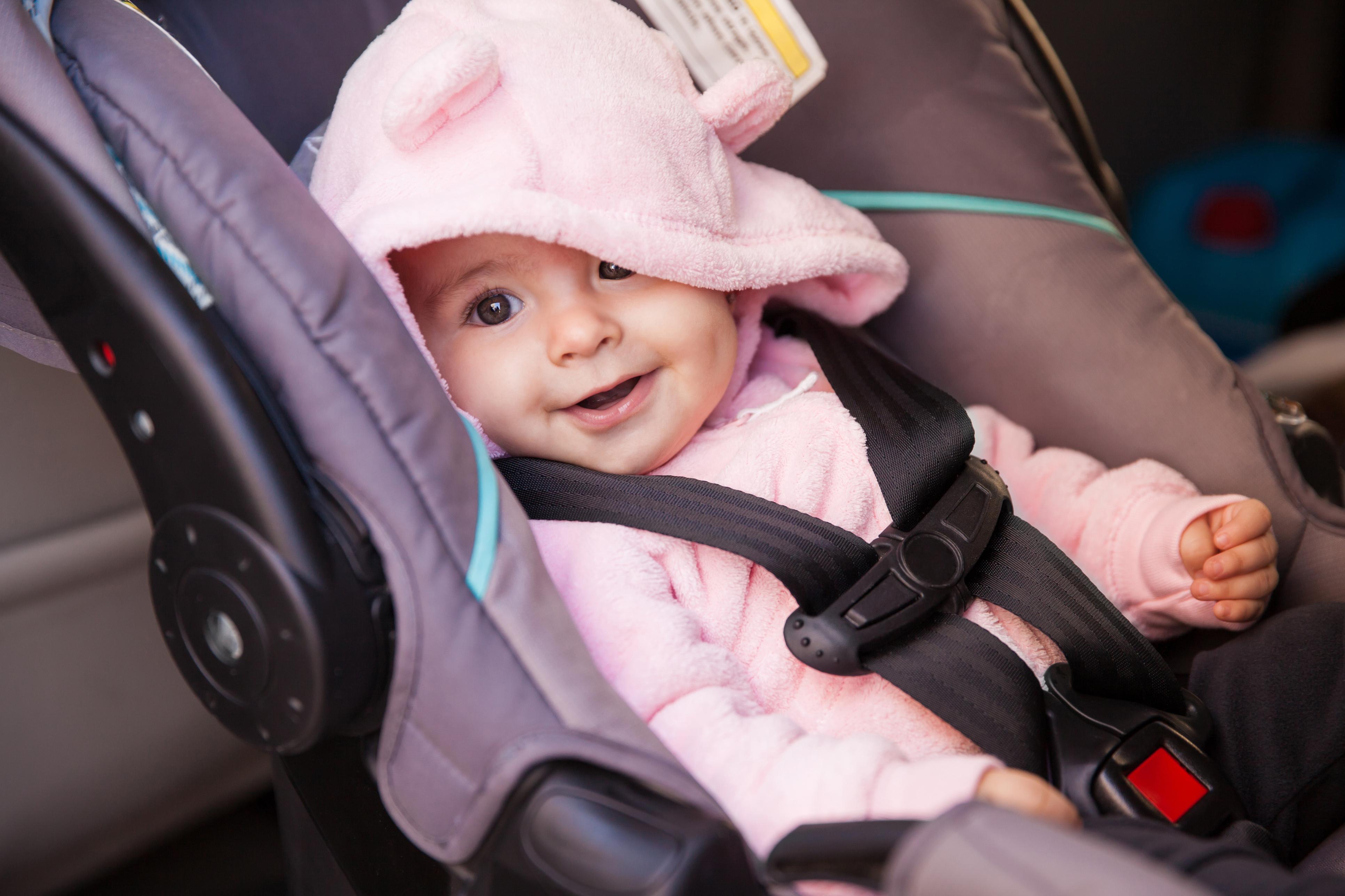 Як правильно вибрати автокрісло для немовляти і дитини