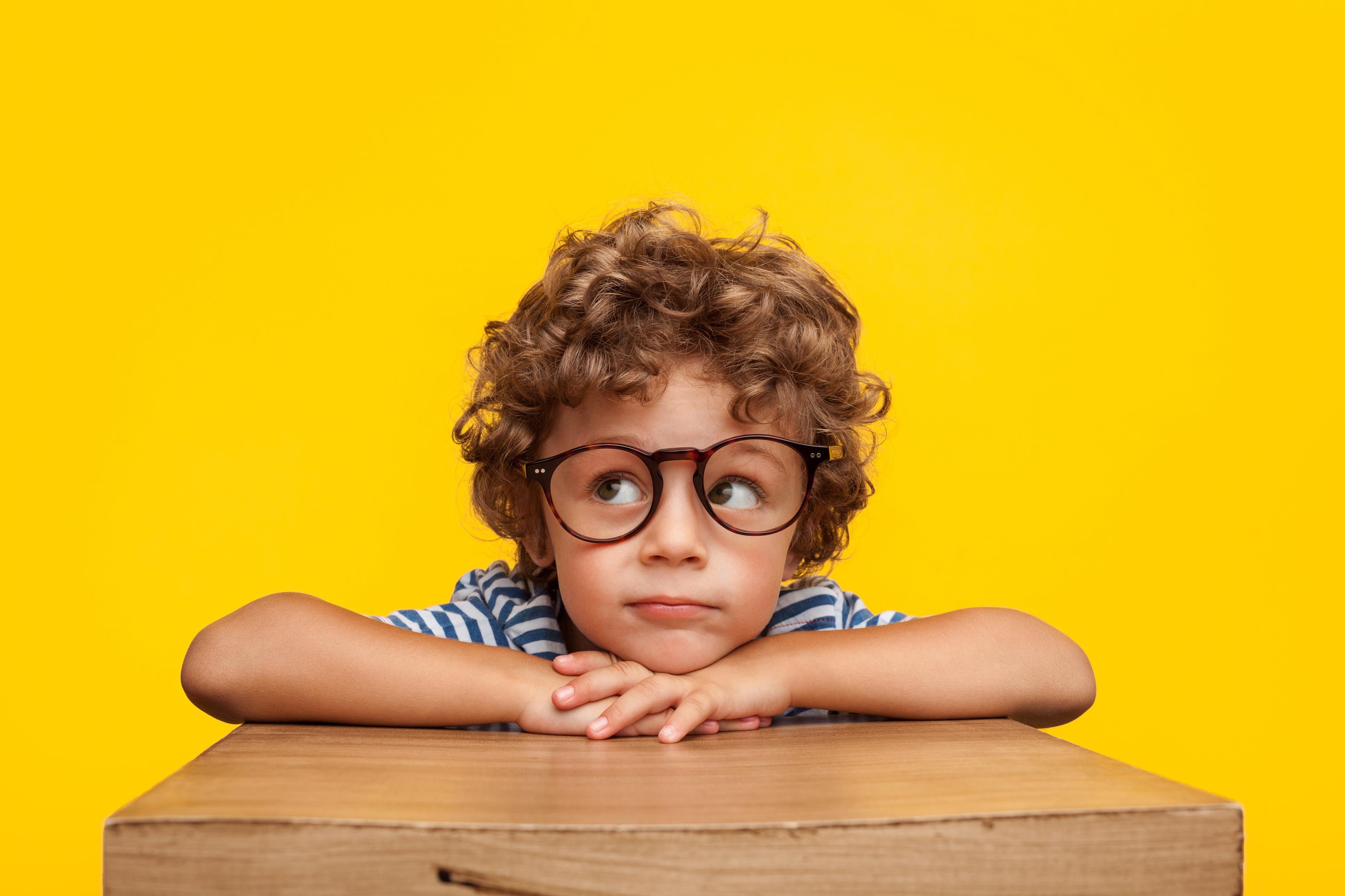 Як допомогти дитині звикнути до нових окулярів: 6 порад для батьків