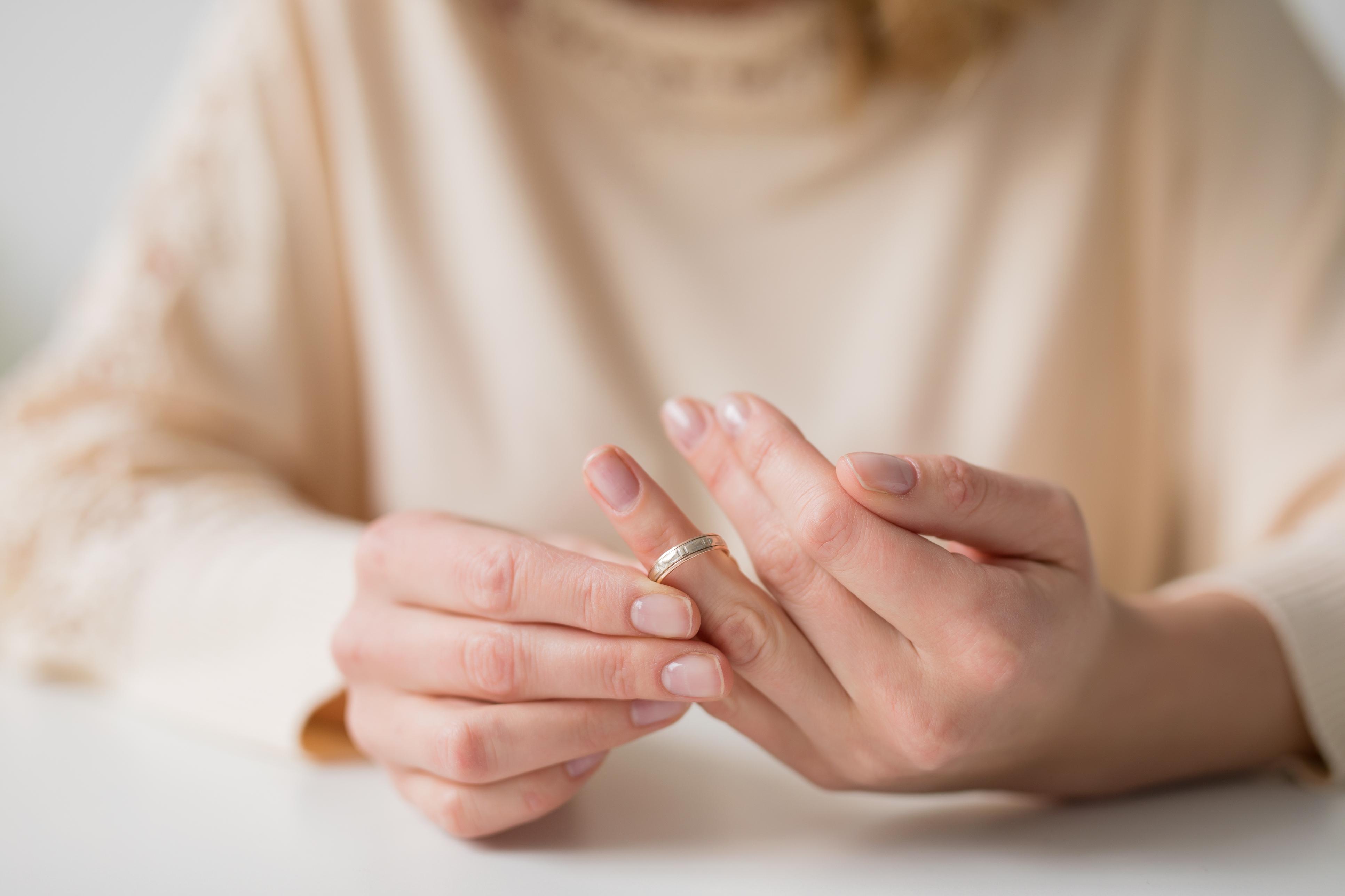 5 ознак, що вашим відносинам потрібен розлучення