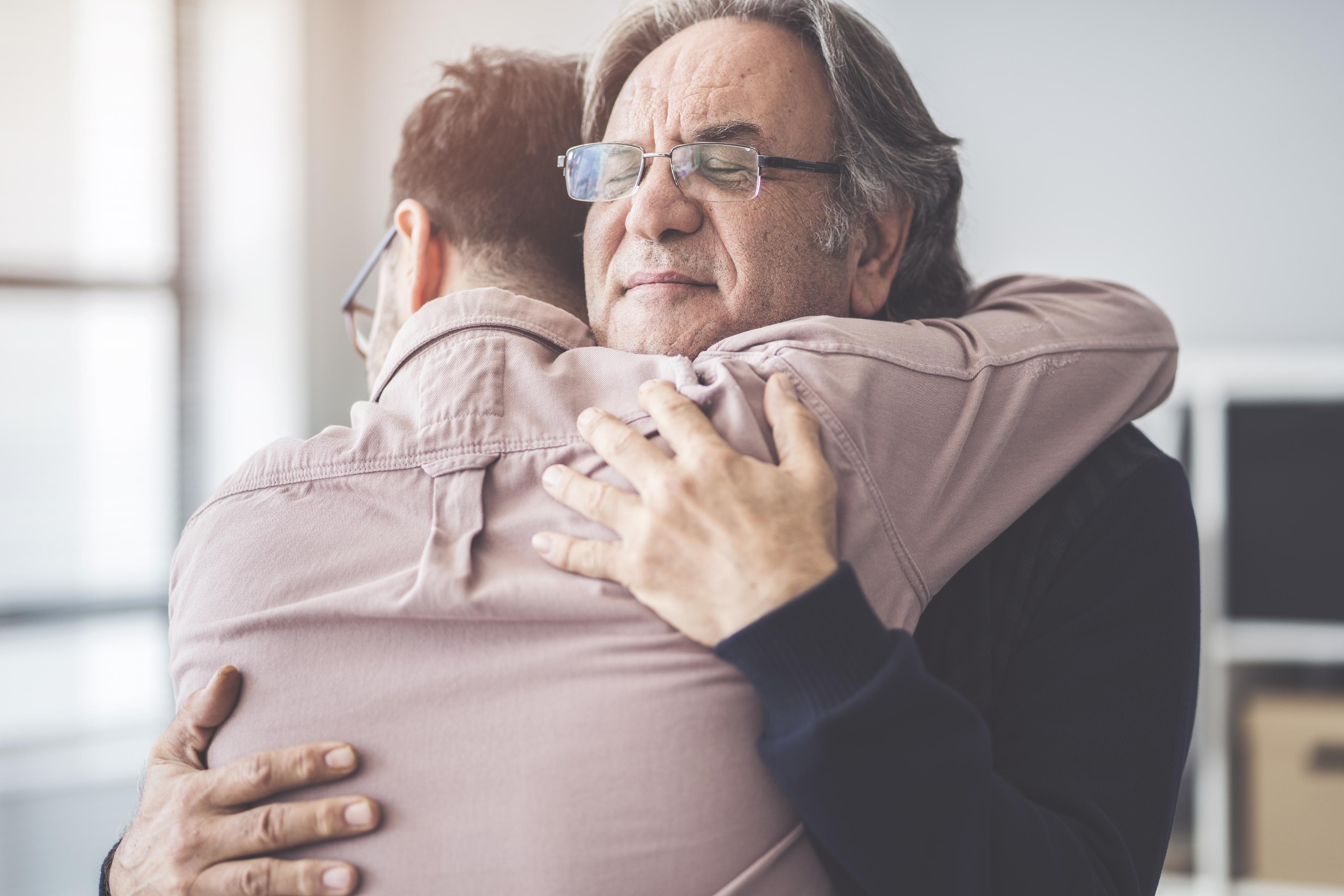 Наука підтвердила: обійми дійсно роблять нас краще