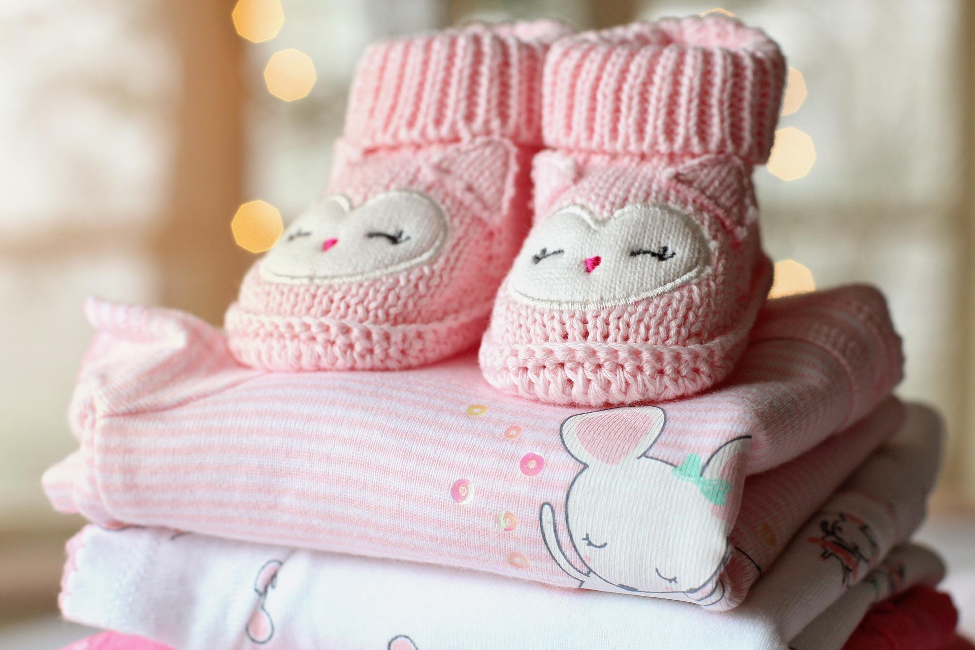 Що подарувати новонародженому: цікаві ідеї для походу до молодим батькам