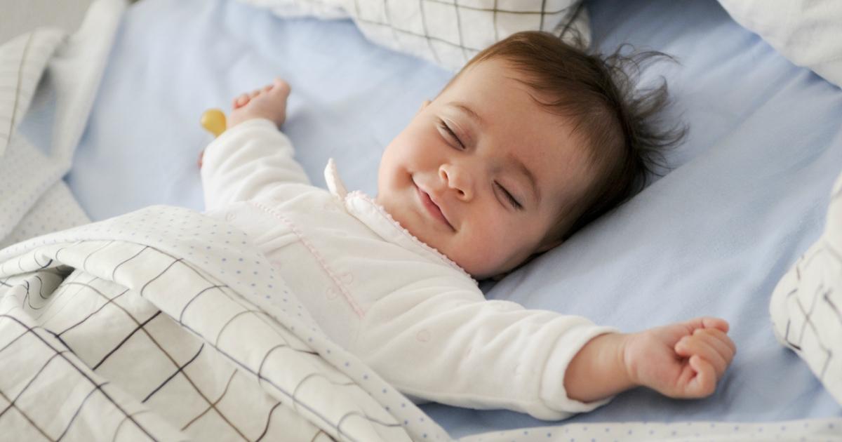 4 прості поради, як вкласти дитину спати