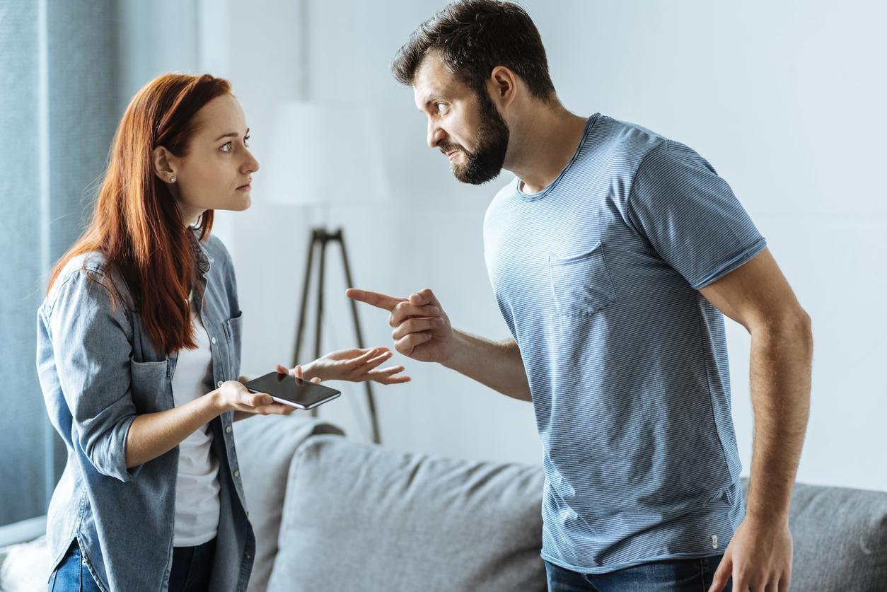 Що робити, якщо ваш партнер віддає перевагу телефону замість вас