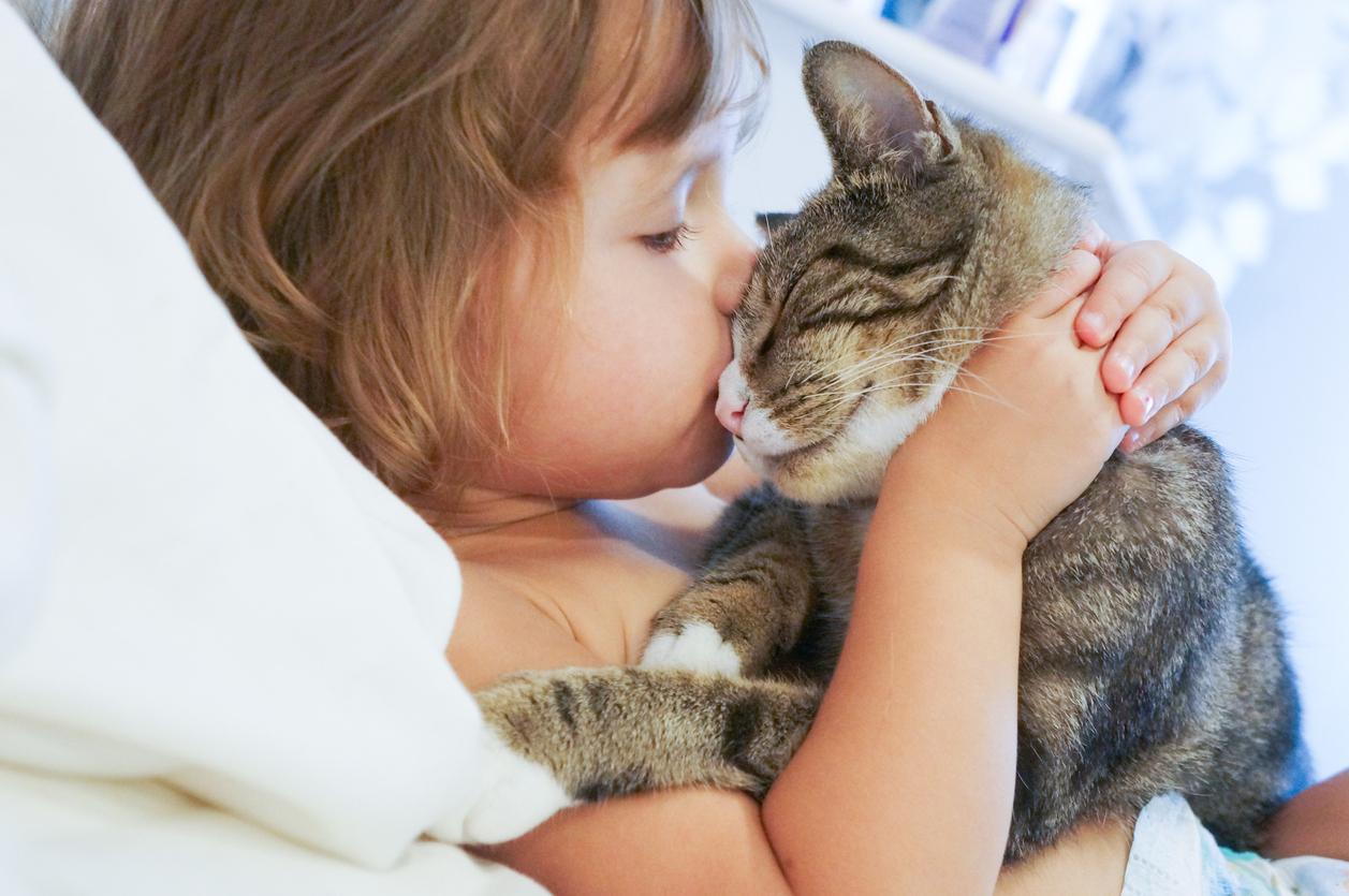 Ранні ознаки аутизму, які батьки можуть самостійно визначити у маленьких дітей