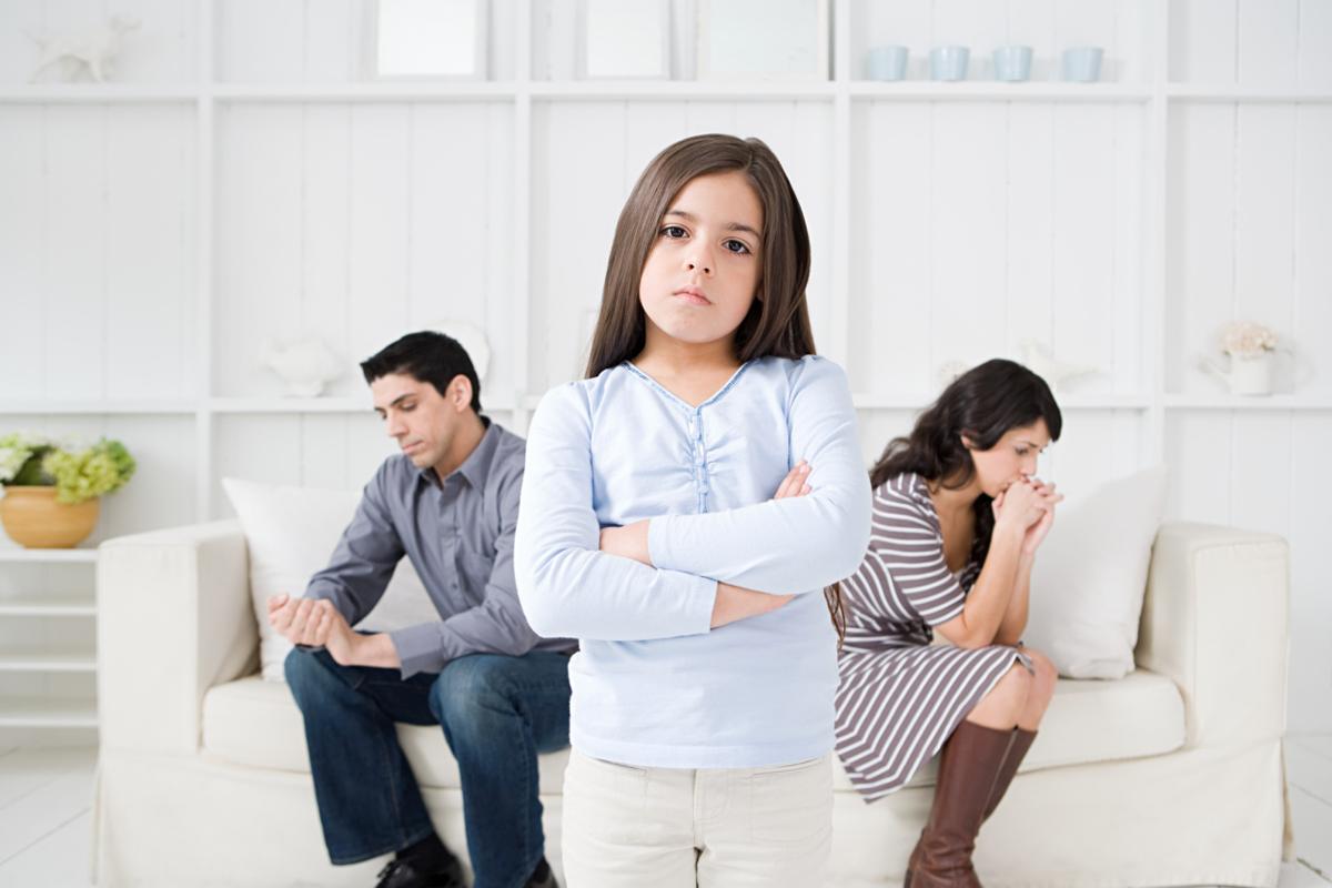 Як м'яко розповісти своїм дітям про розлучення