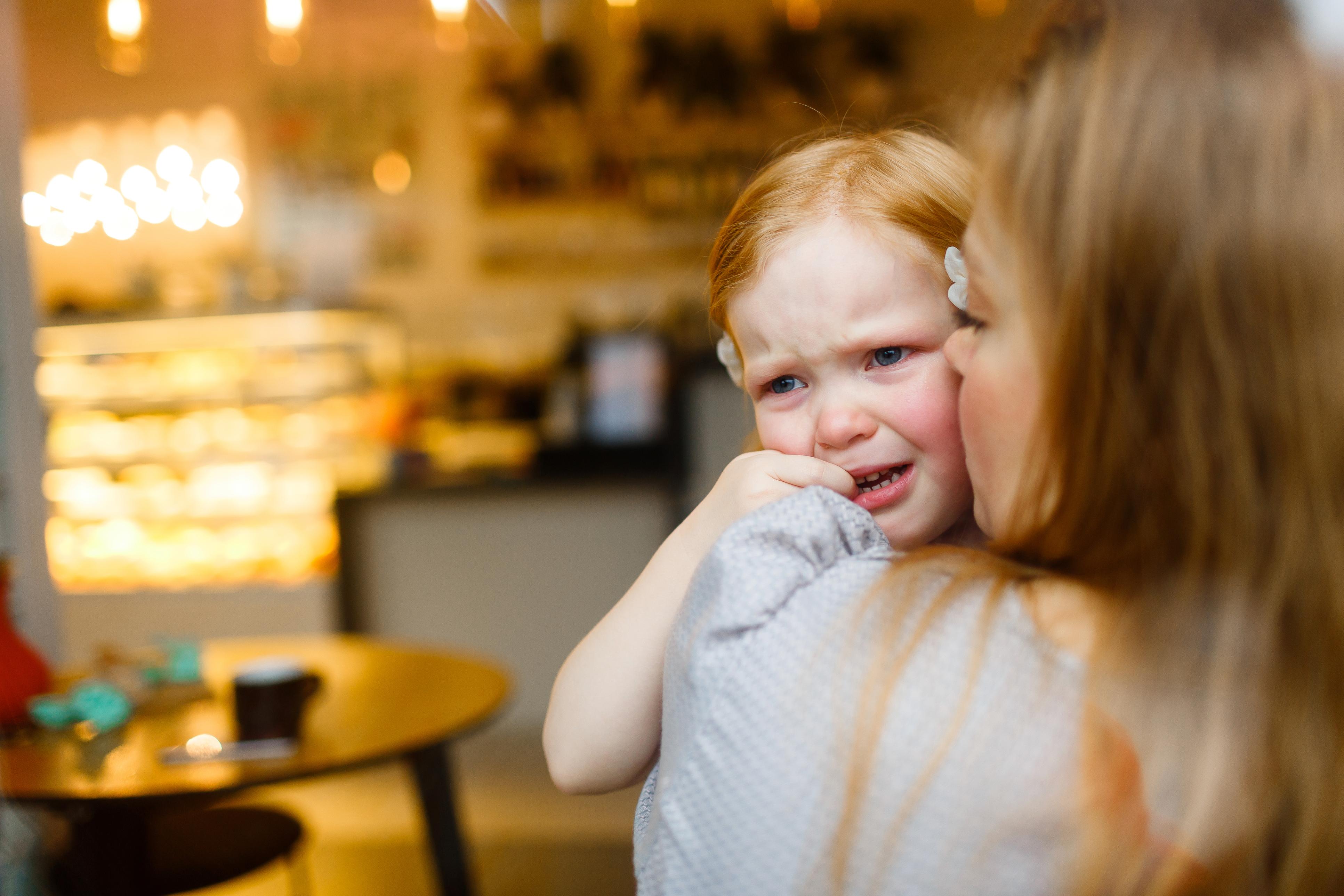7 причин, чому дитина може плакати