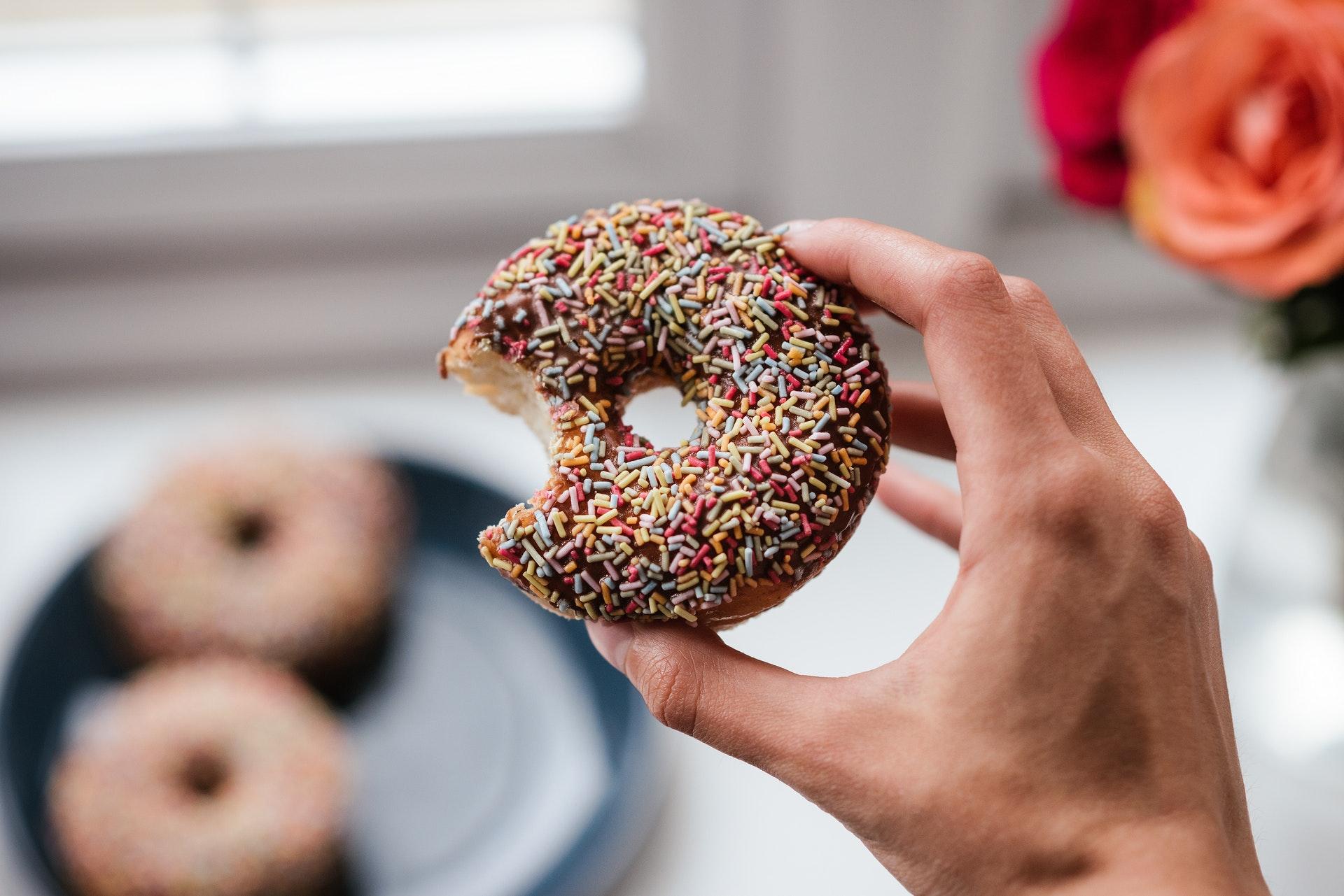 Як розпізнати алергію на цукор: 4 ознаки, які вкажуть на проблему