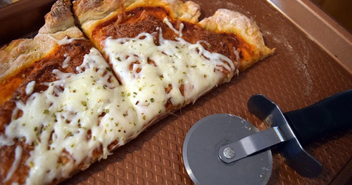 Як створити корисне тісто для піци всього з 2 інгредієнтів