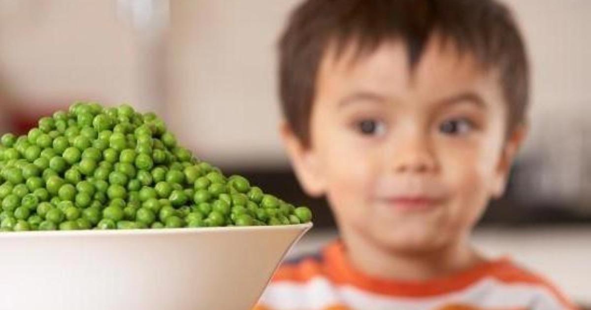 Як переконати дитину їсти овочі: поради батькам
