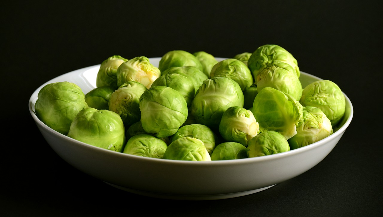 Брюссельська капуста: як приготувати нудний продукт 4 ненудними способами
