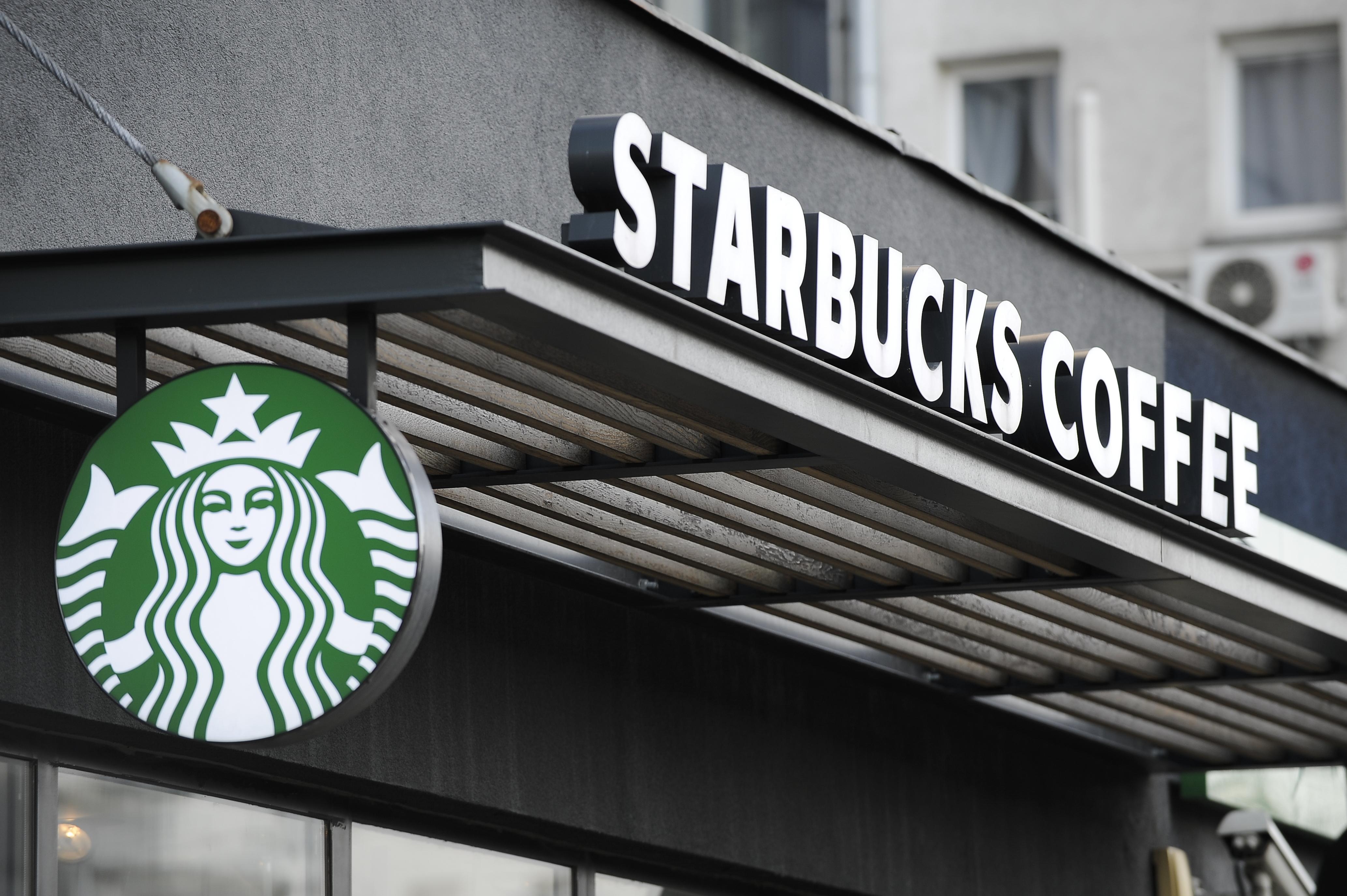 Stаrbucks відкриє кафе, де будуть працювати виключно літні працівники