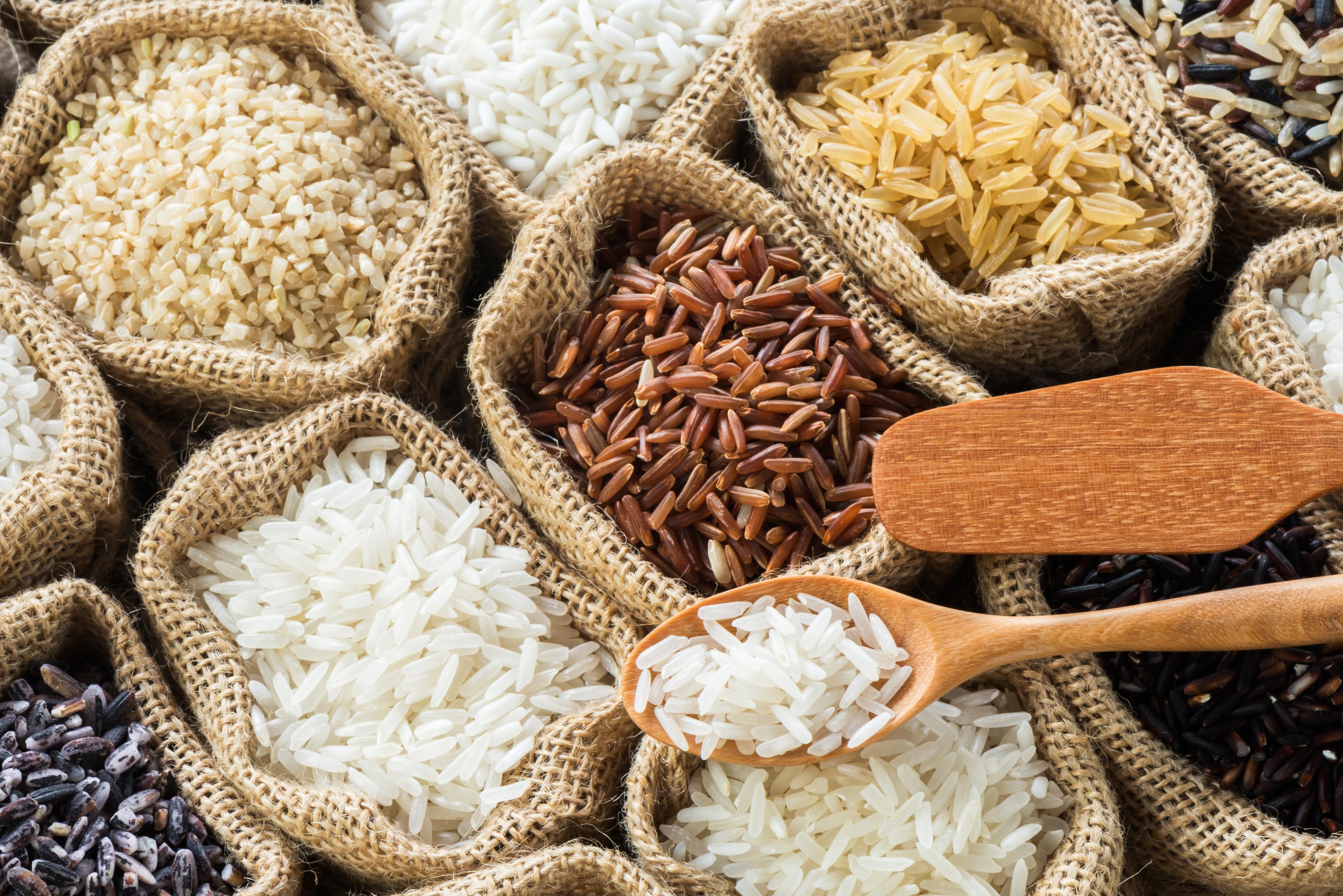 Рецепт дня: рис з брюссельської капустою і соусом з сочевиці
