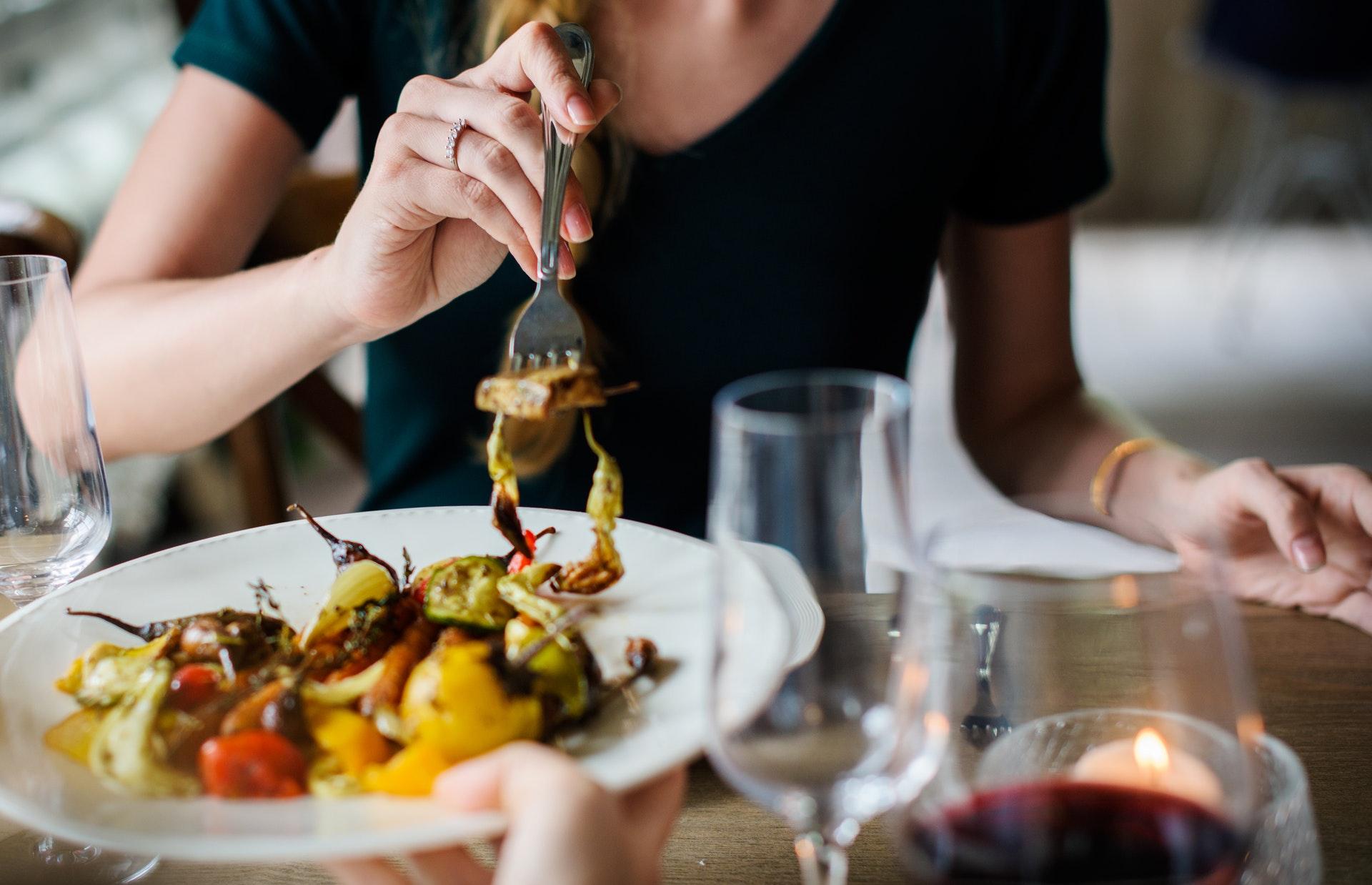 Важливі причини переїдання, до яких не відноситься дієта