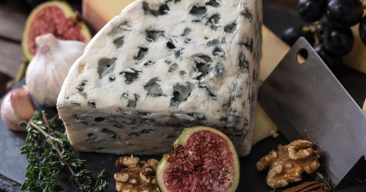 Чим можна замінити дорогі сири в стравах