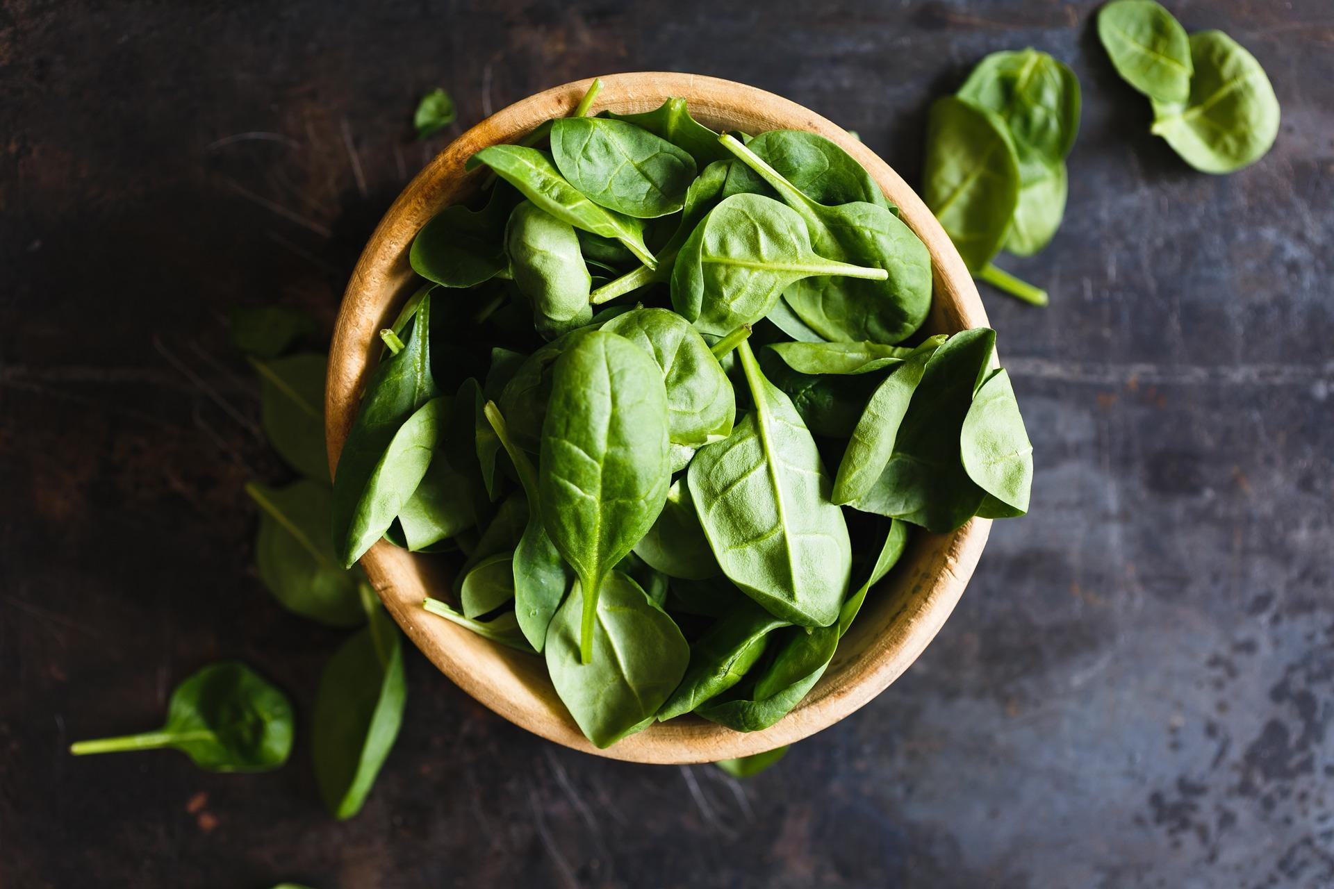 5 рецептів салату зі шпинатом, які потрібно спробувати в серпні