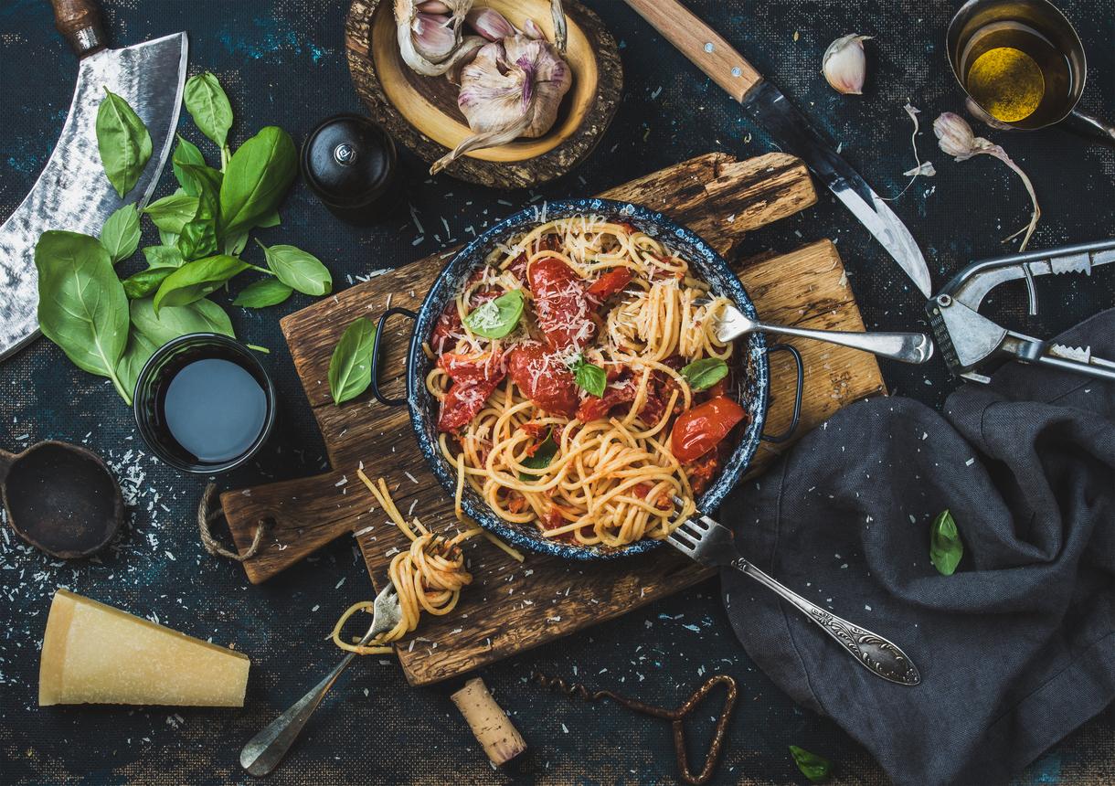 2 рецепту салату з пастою, які знадобляться в погану погоду