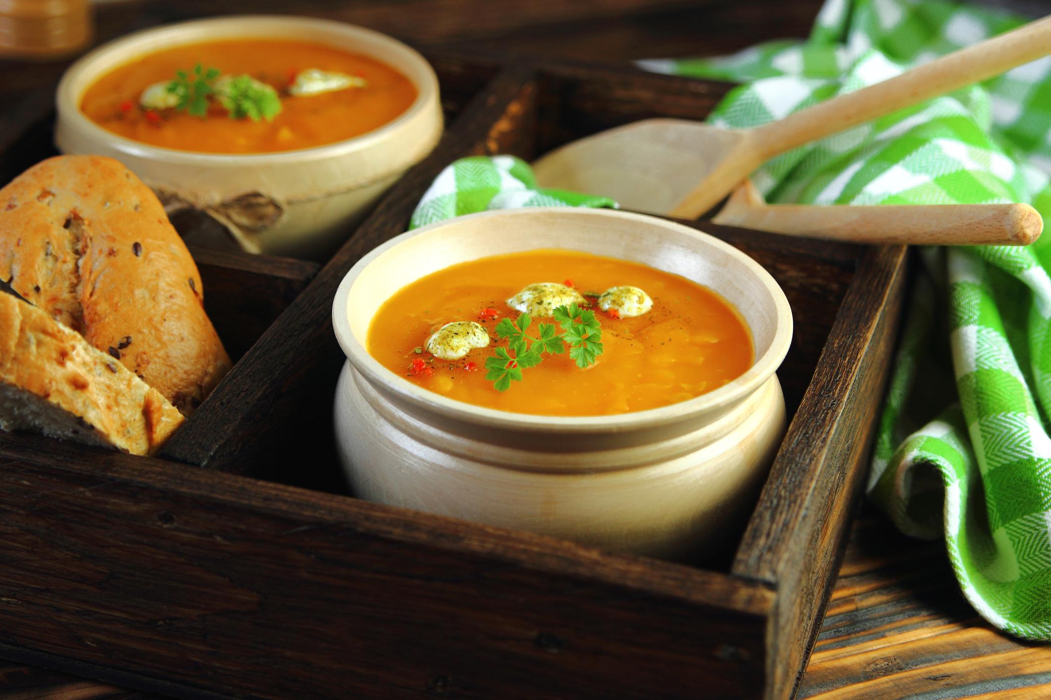 Корисні рецепти супів від популярного кухаря Джеймі Олівера