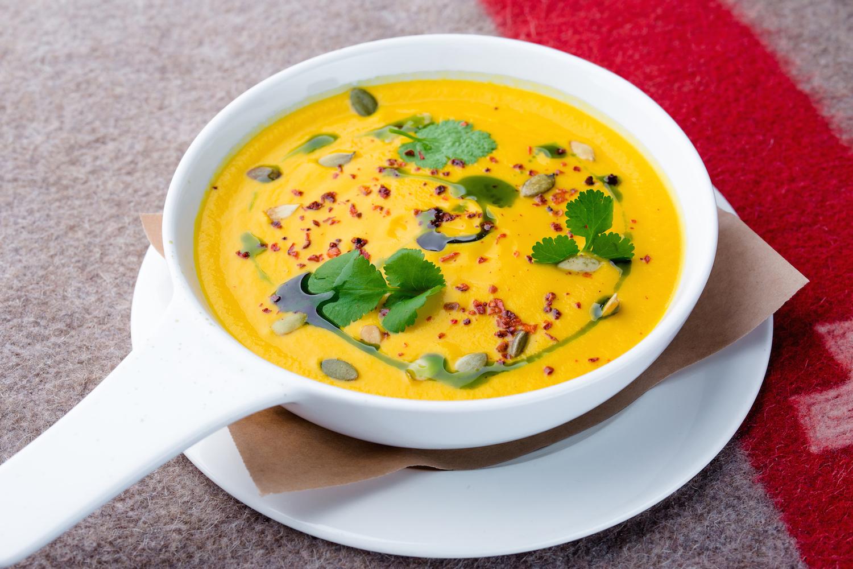 7 вегетаріанських супів, з якими не захочеться м'яса